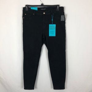 Celebrity Pink Black midrise skinny jeans NWT